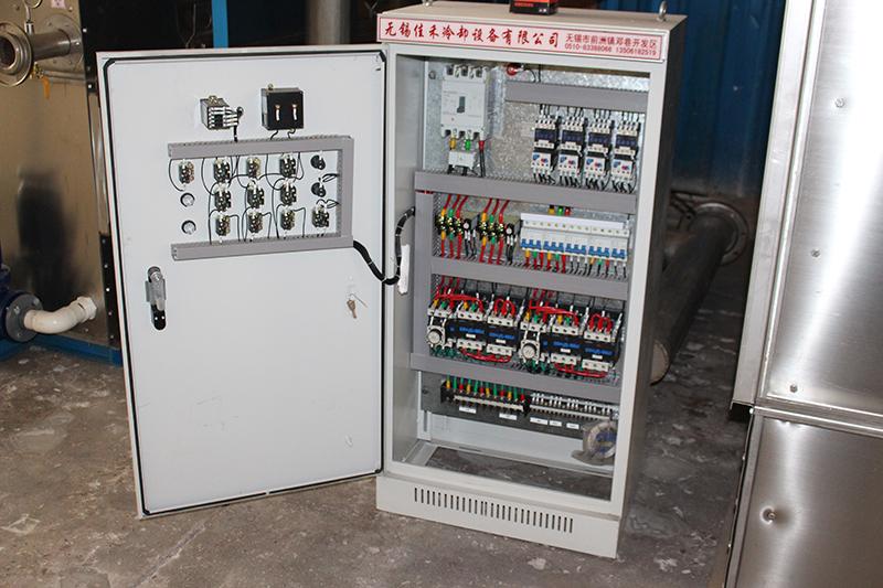 闭式冷却塔电控柜