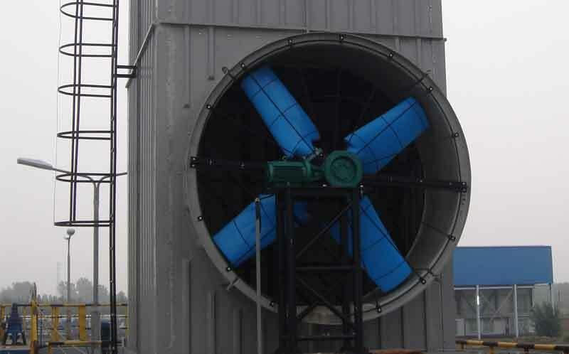 什么是鼓风式冷却塔?