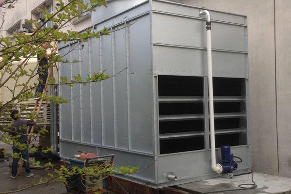 和传统填料式冷却塔比较,闭式冷却塔有哪些优点