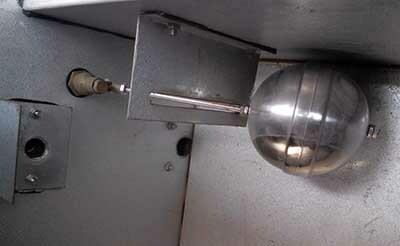 在冷却塔中浮球阀起到了什么样的作用